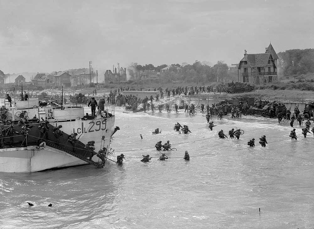 Troops going ashore.