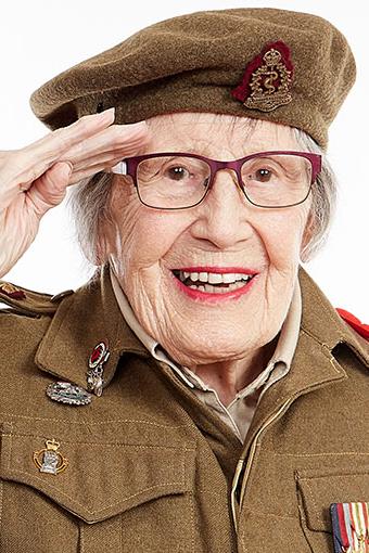 Le lieutenant (à la retraite) Maxine Llewellyn Bredt